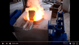 Copper smelting furnace with hydraulic tilting